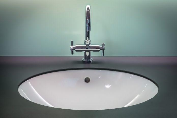 שיש לאמבט - עיצוב מודרני ונקי לחדר האמבט