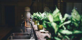 עיצוב מטבח מודרני עם שיש איכותי